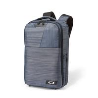 OAKLEY DIGITAL BACKPACK M 日本限定 高質感表層與西裝百搭 商務3C專用背包 內附贈平板套